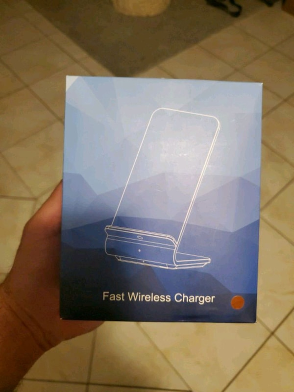 Fast wireless charger  33615843-fd64-4d80-9bae-35b04dcaebb6
