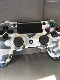 Ps4 controller Victorville, 92395