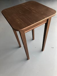 Small wooden side table  Grand Rapids, 49525