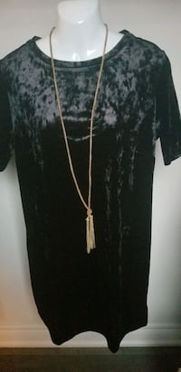 Velvet dress sz large  Brampton, L6R