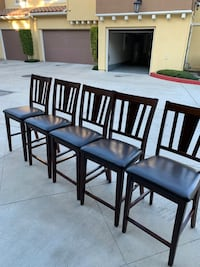 High top table & 5 high top chairs. Make an offer. Moving sale.  Irvine, 92618