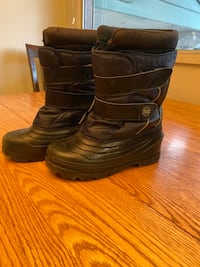 Boys sz3 Navy Winter Boots
