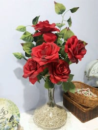 Glass vase with roses  Laval, H7G 2W7