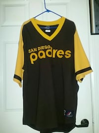 black and yellow San Diego Padres v-neck shirt Carson, 90745