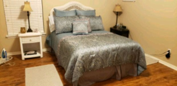 5 Piece White Wicker Bedroom Set MUST GO THIS WEEK