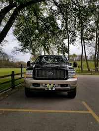 Ford - Excursion - 2004 Silver Lake