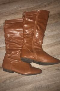 Size 10 A.Co Women's Brown Leather Boots | USED | HAS WEAR & TEAR