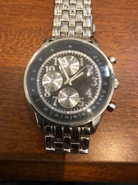 round silver-colored chronograph watch with link bracelet 850 mi