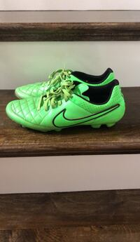8.0 soccer cleats