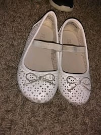 pair of white leather flats Rockford, 61108