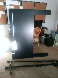 Full bed frame with headboard. Price, 84501