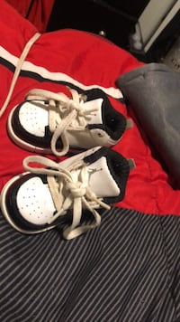 Worn a few times, perfect condition baby sneakers Fitchburg, 01420