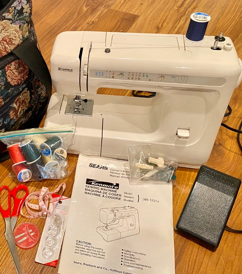 Photo Pristine Sears Kenmore Sewing Machine + tons of extras! PRICE FIRM.