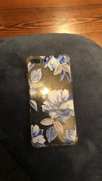 black and white floral iPhone case Beaumont, 77706