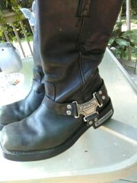 pair of black leather boots Bardstown, 40004