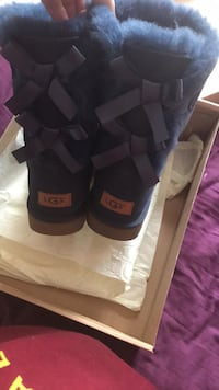Pair of blue ugg boots Crofton, 21114