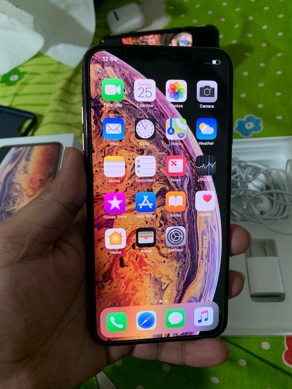 low priced 3ac72 09501 Iphone X Max plus 256gb Factory unlocked with box and accessories