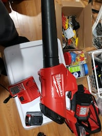 Milwaukee 2728 Blower with battery/charger Staten Island, 10301