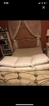 Double mattress GUC Newmarket, L3X 2H9