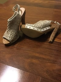 Leather shoes size 8 Brossard, J4Y 1A6