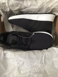 Toddler size 9 adidas shoes Calgary, T2A 3V5