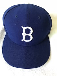 blue and white fitted cap 2265 mi