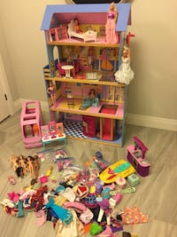 Barbie house with all accessories  London, N6B