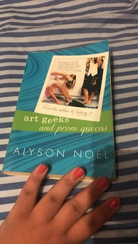 Art Geeks And Prom Queens book