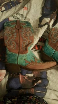 Brown and Teal Ferrini Boots. Size 8 Louisville, 40118
