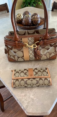 coach purse and wallet $75.00 Slidell, 70458