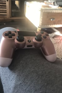 Pink ps4 controller