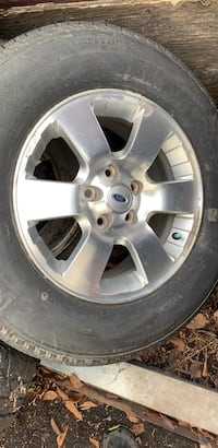 2 Ford Mag Rims with Michelin summer Tires