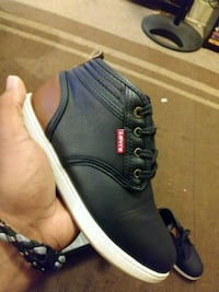Levi's kids sneakers size 2  only $5  York, 17403