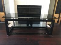 Glass TV stand  Vancouver, V6H 1A7