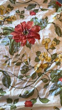 Pottery Barn Floral Print king size duvet cover  Walnut Creek, 94598