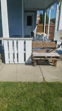 Homemade pallet bar and bench Miamisburg, 45342