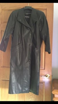 Ladies Black leather coat Tinley Park, 60477