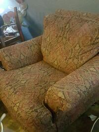 OVERSIZED CHAIR with ottoman  1177 mi