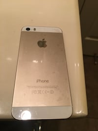 Gold iPhone 5C brand new. Tracy, 95377