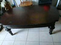 oval brown wooden coffee table pick up Las Cruces, 88001