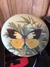 round white, green, and black butterfly decorative plate Phoenix, 85308