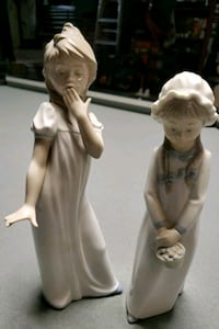 Young girls ceramic figurine Damascus, 20872