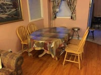 Dining table with 4 chairs Mississauga, L5M