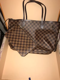 Louis Vuitton  Brighton, 80601