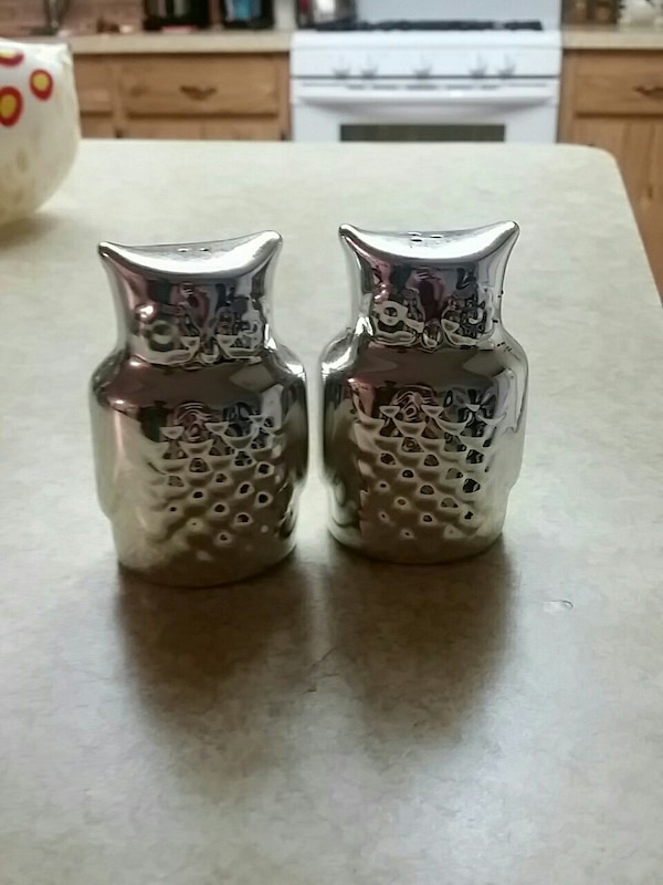Food Network owl salt and pepper shakers