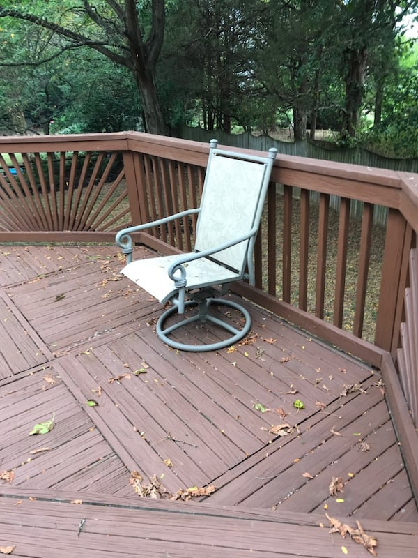 Outdoor Table with 4 Chairs - available until 9/17 48fdaa0a-1404-4176-a23c-8a4deb9358fc