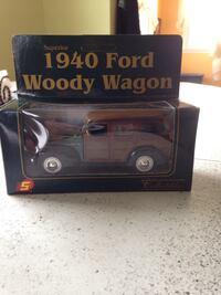 1940 Ford Woody Wagon scale model