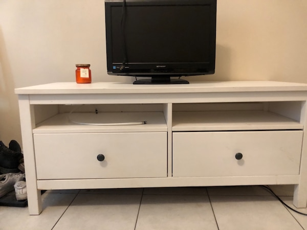 Tv stand/drawers/entrance table ***with TV included***
