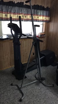 2 Exercise machines Treadmill  Channelview, 77530