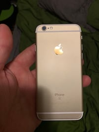 Fully unlocked Gold iPhone 6s w/screen protector Abingdon, 21009